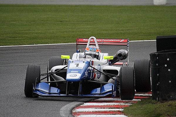 Harvey starts the season in style at Oulton Park