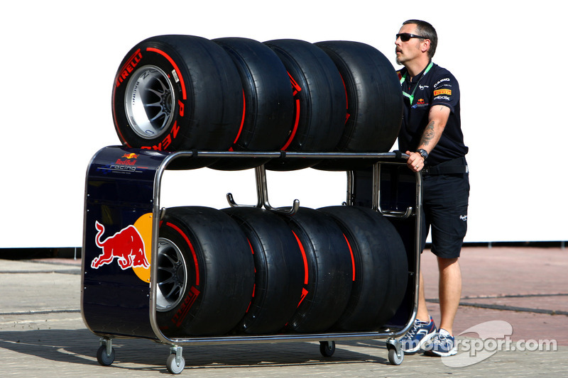 Pirelli tires finds excellent qualifying grip on the Monaco Street Circuit
