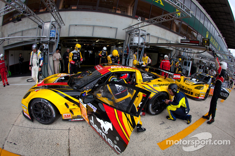 Sunrise and the real race begins as GT continues to entertain…