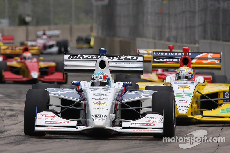 Vautier fights off Saavedra for Milwaukee win