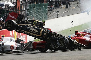 Formula 1 Breaking news Crazy crash shots at the start of the Belgian GP