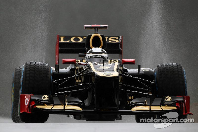 Lotus says Raikkonen staying in 2013