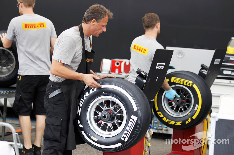 Abu Dhabi GP again with P Zero White and P Zero Yellow tires