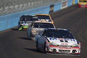 Stewart soldiers to 17th in season finale at Homestead