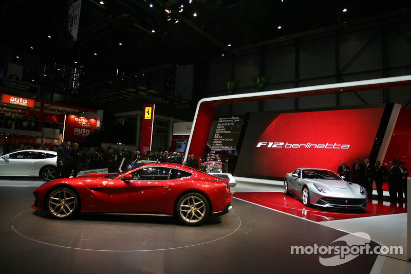 "Ferrari F12berlinetta crowned ""Supercar of the Year 2012"""