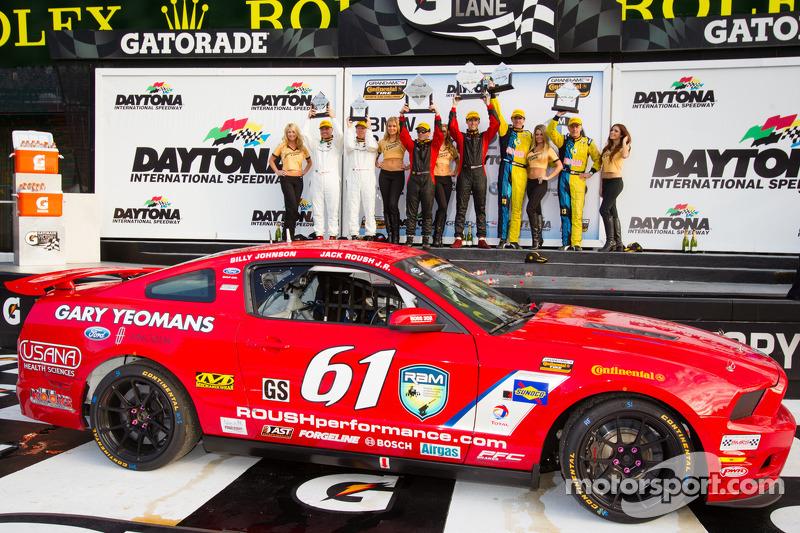 Ford, Nissan win Continental Tire SCC season opener at Daytona