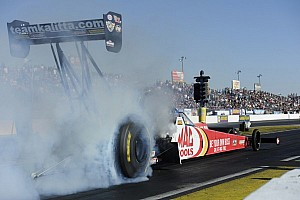 NHRA Qualifying report Kalitta, Gray and Edwards claim No. 1 starting positions in Phoenix