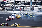 Bad luck continues for Edwards at Daytona, Kenseth goes out while leading