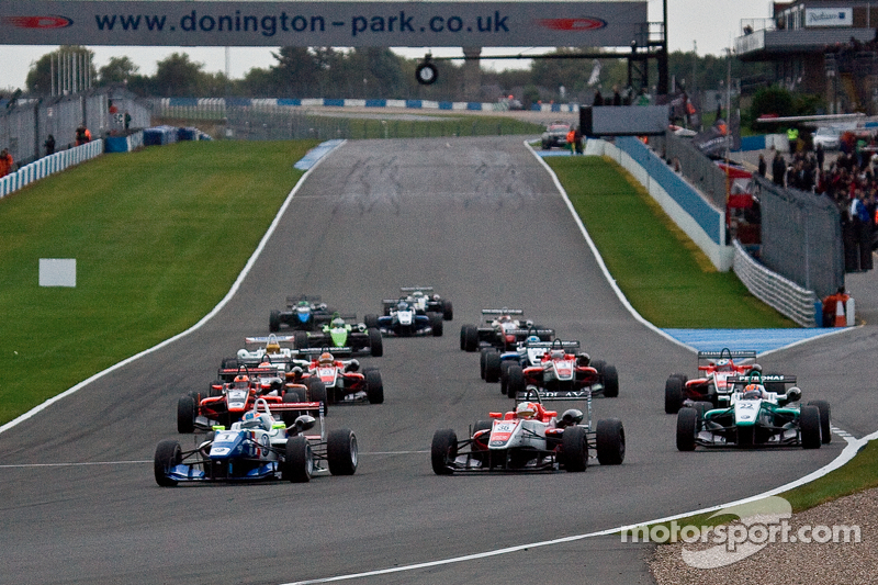 SRO confirms solid interest in 2013 British F3 series