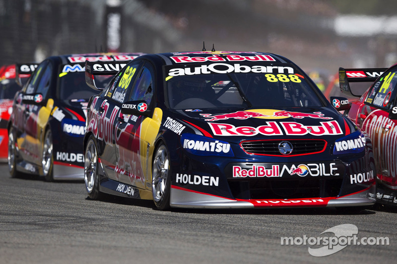 Lowndes sets fastest first practice time at Albert Park