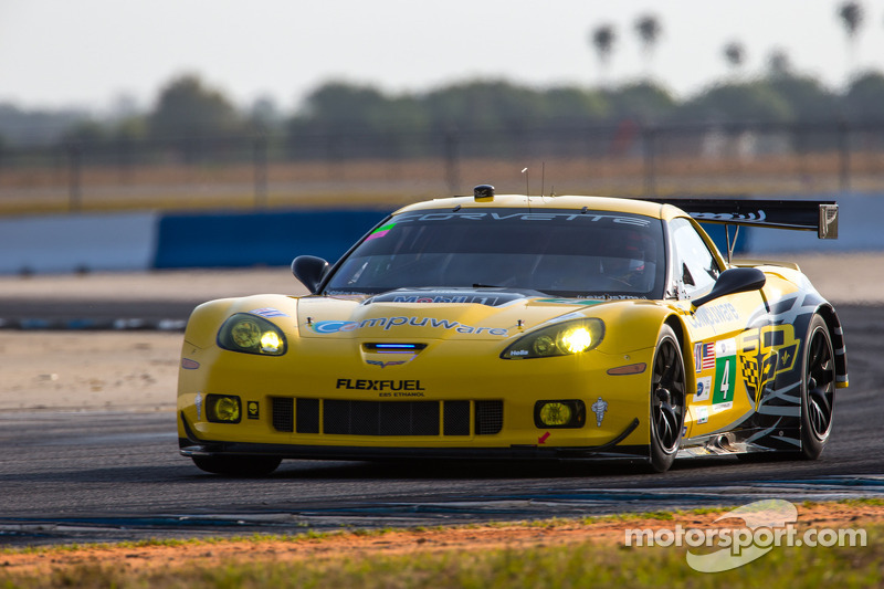 Corvette Racing in GT top 5 at midway point of 12 Hours of Sebring