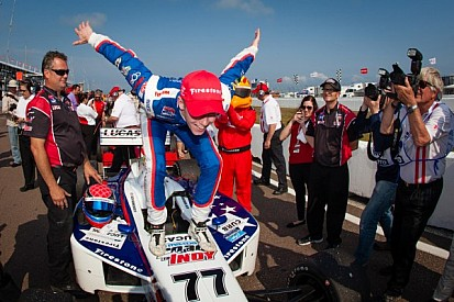 Hawksworth takes surprise victory at St. Pete