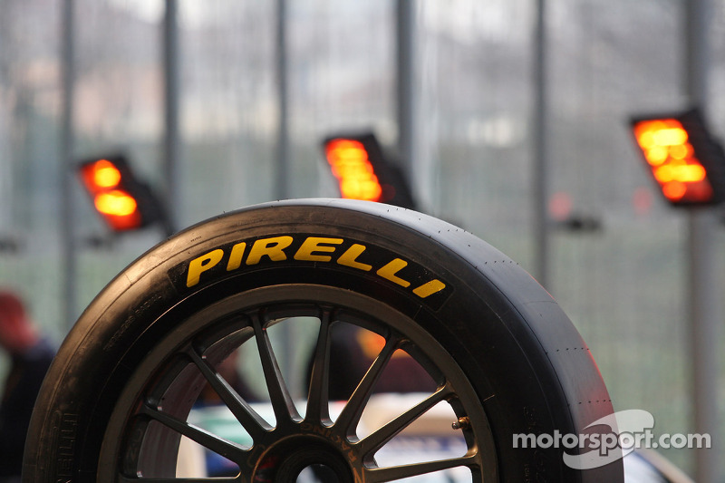 Drivers to get 'prototype' tyre for Friday action in Barcelona