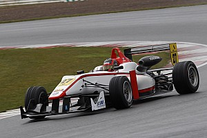 British F3 lines up for super Silverstone start