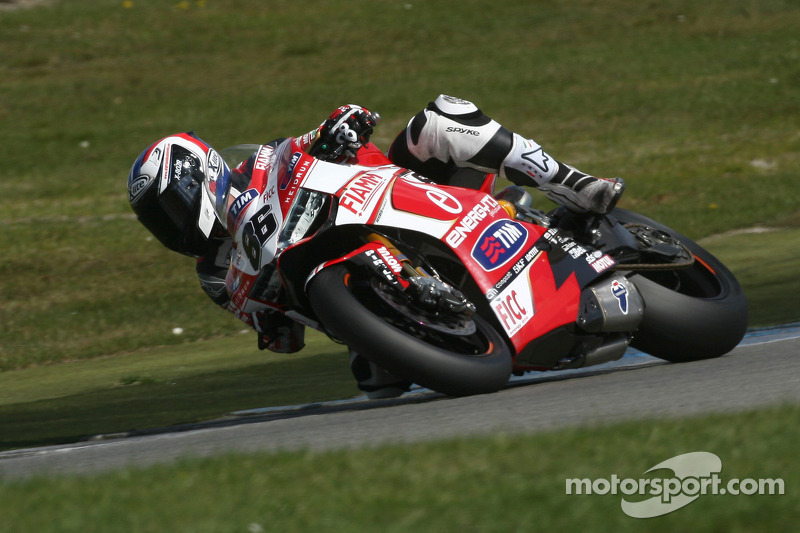 Ducati Alstare's riders to line up on the third, fourth and fifth rows at Donington
