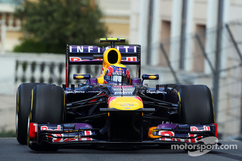 Webber not ruling out Ferrari move