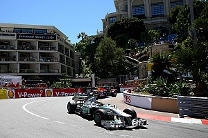 Hamilton identifies brakes as main problem