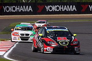 WTCC Race report Muennich Motorsport with second podium placing at the WTCC premiere in Moscow