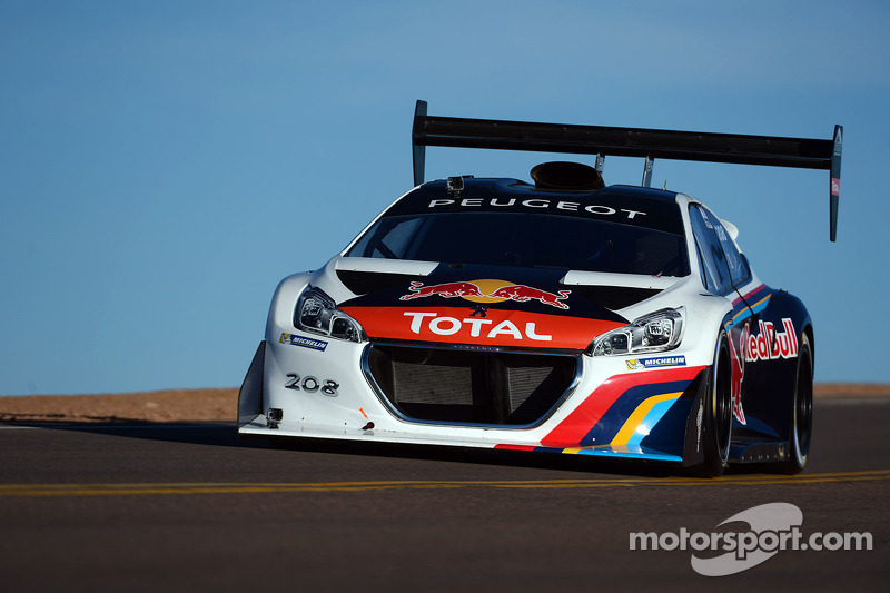 Sébastien Loeb and the Peugeot 208 T16 Pikes Peak set new record!