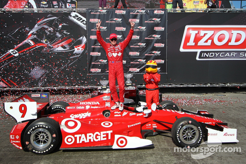 From pole to victory, Dixon dominated Race 2 in Toronto