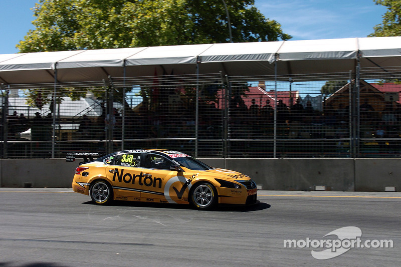 Nissan's Moffat claims another top 10 result at Queensland Raceway