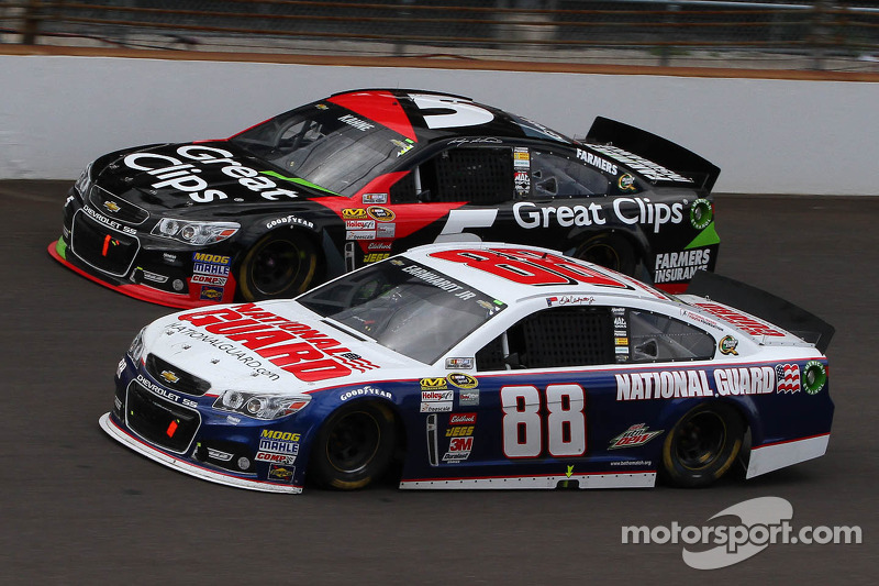 Dale Earnhardt Jr.'s early-race choice was difficult but necessary
