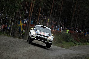 Thrilling three-way battle in Finland – Volkswagen driver Ogier sitting in 2nd
