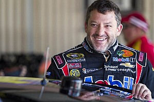 NASCAR Sprint Cup Commentary Stewart opens up about sprint car racing, Haas' adding fourth car