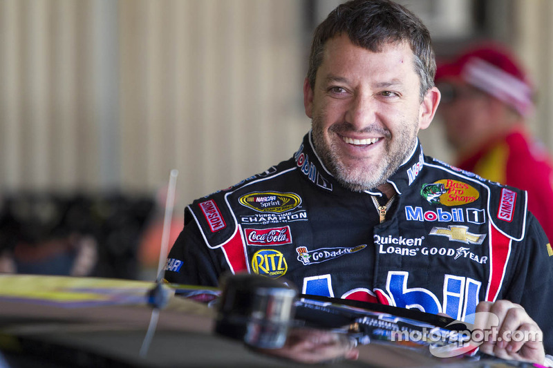 Stewart opens up about sprint car racing, Haas' adding fourth car
