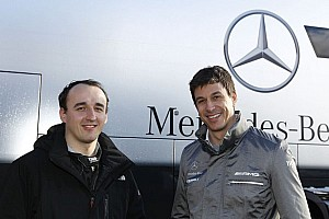 Kubica admits multiple days in Mercedes simulator