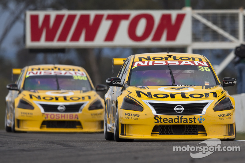 Nissan Motorsport toughs it out in qualifying in its Mount Panorama return