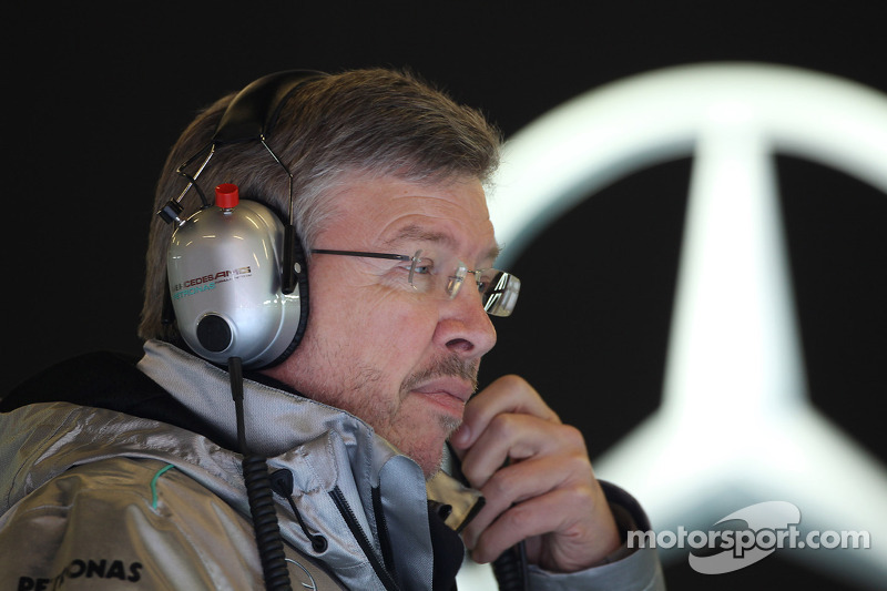 Mercedes confirms: Brawn out