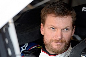 NASCAR Sprint Cup Breaking news Fans help Dale Earnhardt Jr. break record