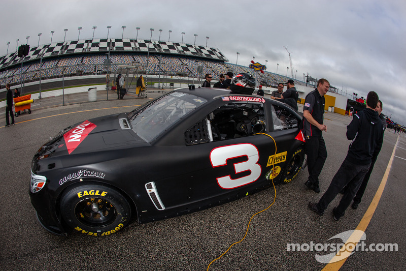 Historic number 3 back on top in Daytona