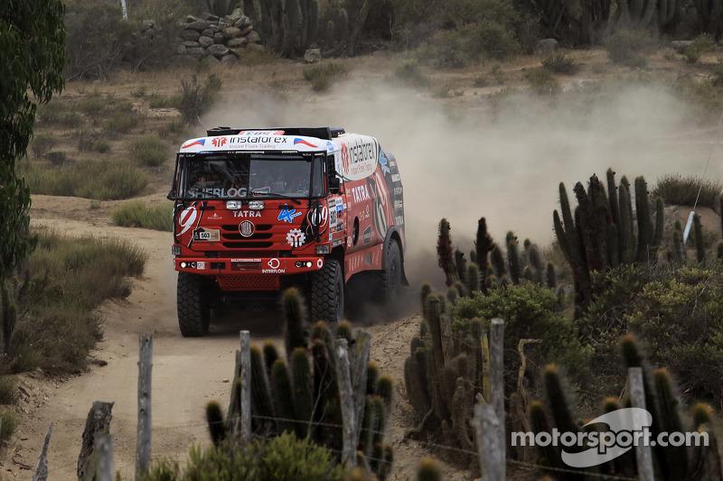 Aleš Loprais closing in on Dakar podium