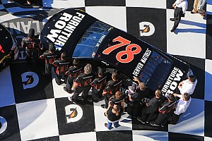 Strong qualifying effort puts Truex on front row for Daytona 500