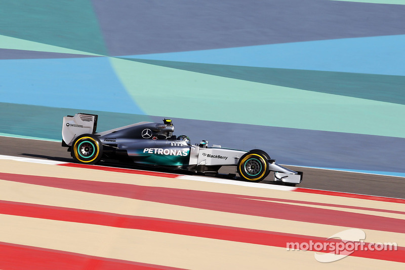 Rosberg on top as first in-season test begins in Bahrain