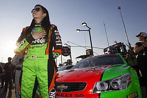 NASCAR Sprint Cup Race report 'Lady in Green' delivers solid finish at Darlington