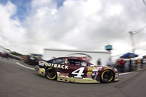 Harvick struggles to 11th at Richmond