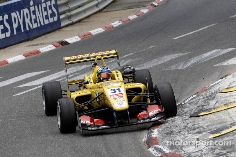 Blomqvist masters the weather at Pau