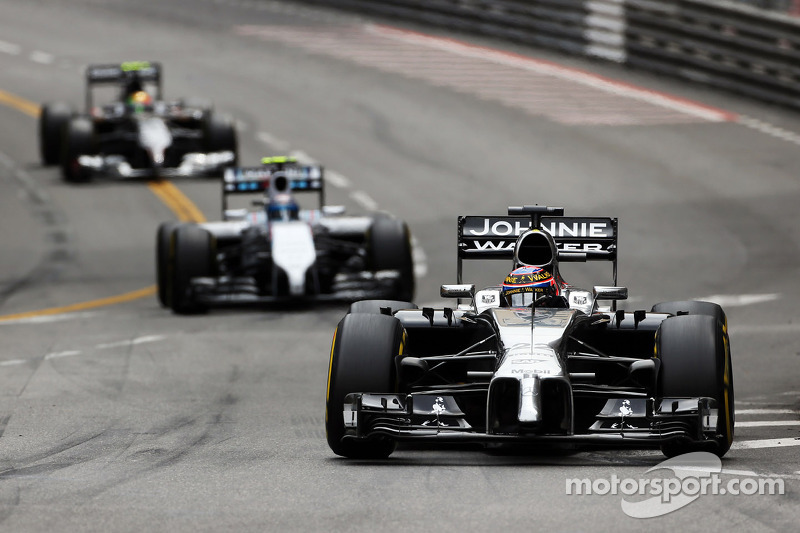 Both McLaren drivers in points at Monaco