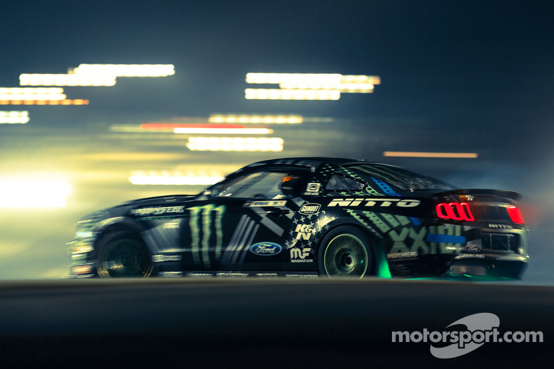 Ford returns to Formula DRIFT with Top Mustang team and 2014 Fiesta ST Giveaway