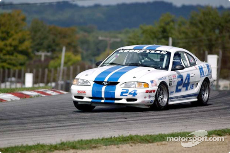 Sun shines on SCCA Super Tour at Mid-Ohio