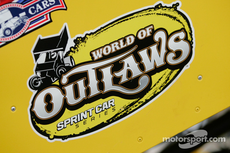 World of Outlaws sprint cars race back to primetime TV