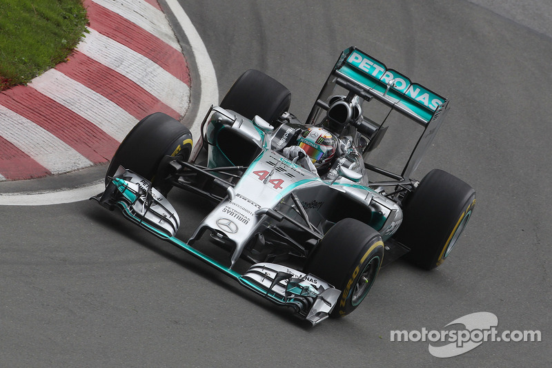Mercedes' Hamilton set the best lap of the opening day at the Circuit Gilles-Villeneuve
