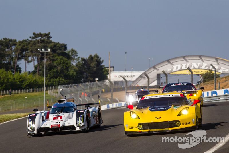 Corvette Racing at Le Mans: Corvette C7.R leads after six