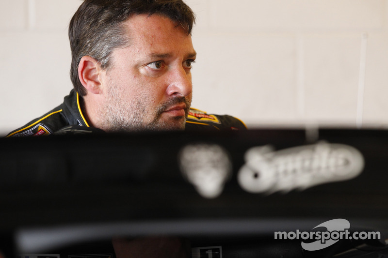 Tony Stewart hopes good luck continues at Daytona