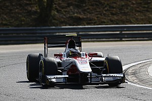 Vandoorne flies to victory in Budapest
