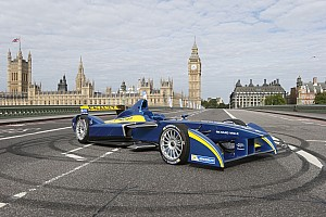 Formula E Breaking news Formula-E : Renault leads the way as motorsport enters a new era