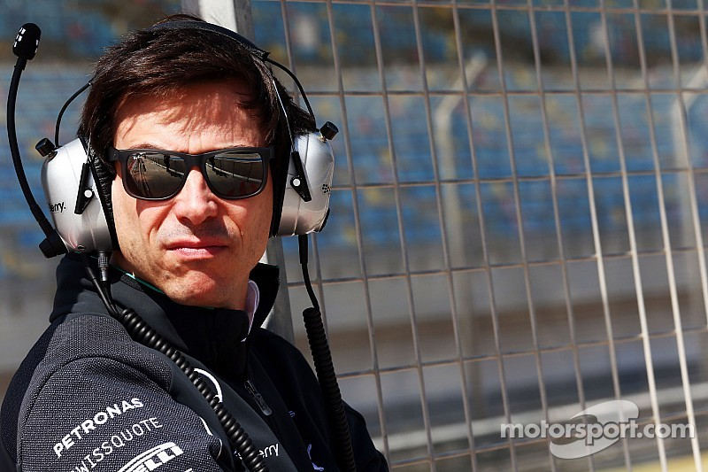 Wolff concerned about radio crackdown - Super license qualifications to be reviewed